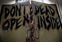 """""""DON'T OPEN DEAD INSIDE"""" / The Walking Dead"""