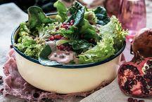 Πράσινη σαλάτα με βινεγκρέτ γιαουρτιού και ρόδι / Οι πράσινες σαλάτες δεν χρειάζεται να είναι βαρετές!