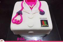 Bolo especial para Medicina / Bolo da Ana Barros Bolos para formandos em Medicina