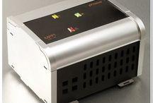 MPPT Solarladeregler - MPPT Solar Charge Controllers / Für die maximale Ausbeute aus Netzmodulen für ihre Inselanlage - For maximum output from non island panels.