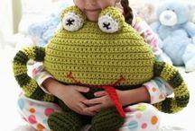 Free Crochet Frog Patterns / Free #Crochet frog patterns I love frogs. And I love to crochet frogs.