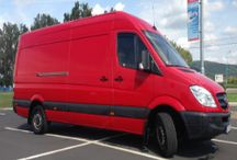 Mercedes Benz Sprinter / Loading space: 14.50 volume m3  Džka of the loading area: 4.30 m  Loading height: 1.85 m.  Užito Start load capacity: kg 1220