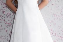 2015 Emmerling Communion Dresses / View these beautiful Communion dresses by Emmerling. Emmerling Communion dress collection exemplifies the qualities for which Emmerling is known. We offer a large selection of Emmerling Communion dresses available in a variety of sizes, that can be purchased online, by telephone or at an appointment. www.firstholycommunionday.co.uk
