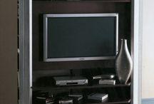 Muebles televisión / Tienda especializada en mueble clásico de estilo, realizados en maderas nobles. En nuestro establecimiento se pueden encontrar todo tipo de muebles, mesas de comedor, sillas, aparadores, vitrinas, cómodas, mesas de noche, cabeceros, librerías, consolas, burós, mesas escritorio, veladores, espejos, sofás, sillones, etc. www.ambara.es
