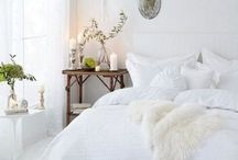 Simply White / Back to the most neutral of all colors: white. These pins include an assortment of spaces that are all grounded in a crisp, clean white color palette.