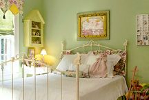 Pale Green and Pink Bedroom / Colours for one of the 7 bedrooms I have to decorate