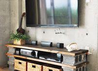 mesa de arrime con bloques de cemento