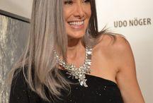 Long grey / Hair