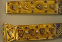 13th century accessories: purses, bags, belts, jewels, brooches, buckles (1200-1320 ca.)