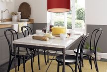 Rode lampen / Een rode lamp kan op verschillende plekken in je huis toegepast worden. Elk huis kan wel een beetje kleur gebruiken! Bekijk hier verschillende rode hanglampen, wandlampen en meer..