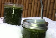 Smoothies for a Happy Start of the Day / Starting your day with a green smoothie is like getting out of your bed with your right foot... Colour it red or blue with some sweet berries for a kid-friendly version.