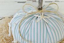 Fall Craft Ideas / by Cheryl Hooten