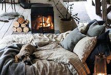 Warm up to Winter / Winter is here! ❄️ Creëer je eigen warme winterinterieur. Durf te spelen met kleur en grove materialen!