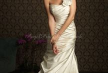 Wedding Dresses / When you dream of your perfect wedding it's usually your dress that steals the show.