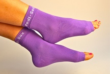 Springtime Violet / California Summer Weight   Pedi-Sox®  brand pedicure socks.