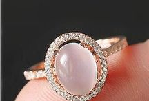 Moonstone. / Immortalised in fiction, adorned by humans for centuries. Magical.