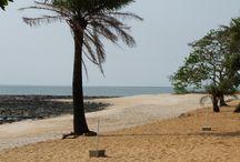 Boffa ses sites négriers et ses plages / Découvrez les sites négriers du côté de #Boffa et ses belles plages. http://www.voyage-guinee.fr/nos-voyages/culture-rencontre-lethnie-soussous/