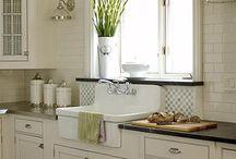 Kitchen Cabinet Styles / by Debbie Green {Green Nest Decor}