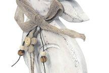 Velikonoční dekorace / dřevění zajíčci, dřevěné slepičky, kuřátka, zajíčci z keramiky, barevní zajíčci, dřevěný zajíček, dřevěný zajíček na podstavci, textilní zajíček na pověšení, dřevěný kohout, figurka zajíček, ptáček na kovových nožkách