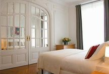 Paris Serviced Apartments / Find best Holiday apartments in Paris at very low rates for short lets and stay. Call us at: (+44) 203-051-6815 to book apartments in Paris.