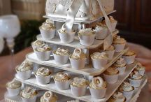 Mini Square Wedding Cupcaketree Cupcake Stand / Imagine creating a Cupcaketree in the colors of your wedding and decorating it with beautiful ribbon and adding an array of delicious cupcakes.  Adding your personal touch makes all the difference.