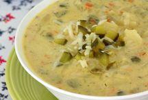 Chilis, Chowders, Soups & Stews   / by Nicole De Lay-Hyatt