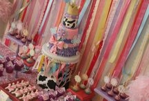 Birthday Party Ideas / by Andrea Finley