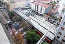 Bomberos controla incendio en paseo San Agustín / Doce compañías del Cuerpo de Bomberos de Santiago concurrieron a controlar un incendio que se desató en la intersección de paseo Estado y paseo Ramón Nieto, en la comuna de Santiago.