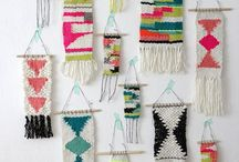Weaving Inspiration / The traditional art of weaving comes alive in these modern wall hangings. These are beautiful pieces of art from professional and beginner weavers alike. Weaving tutorials included.