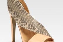 Ruby slippers / Shoes / by Stephannie Ruvalcaba Ho