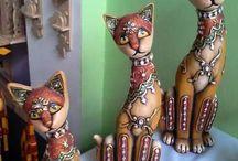 Gatos y cerámica