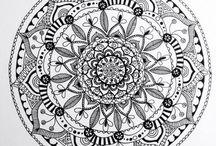 Mijn zelfgemaakte creaties / Ik maak allerlei soorten crafts, van tekeningen tot sieraden. Kijk op http://nl.dawanda.com/shop/A-typist voor mijn sieradenwinkel.