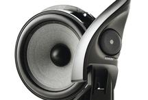 Focal Car Audio / Focal is een legendarisch High End merk betreft Car Audio. Echt goede geluidskwaliteit krijg je met Focal. De beste verbetering van auto speakers, versterkers en subwoofers. Topklasse geluid met enorm detail en dynamiek. Focal is de grootste luidspreker fabrikant van Europa en heeft zich internationaal bewezen, door zijn uitzonderlijk goede klank.