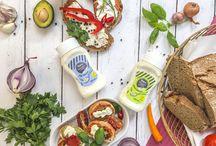 Veganz Sandwichcreme / Diese vegane Sandwichcreme (nach Art einer Mayonnaise) ist das Genusshäubchen auf deinem Sandwich, das i-Tüpfelchen auf deinen Wraps, die Krönung deiner Salate … Ach, einfach das Nonplusultra zum Verfeinern und genießen. Einfach MyOhlicious!