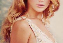 Celebrities / by Liana Proffer