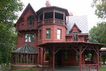 Homes I Love / by Shirley Raile