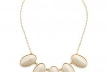 JewelMint Briar Beauty Necklace