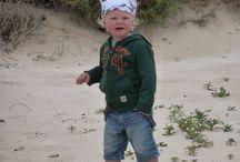 MixG Bandana's voor Jongens en Meisjes / Bandana's om onbezorgd in de zon te spelen en op het strand je haren zandvrij te houden. Super fijn voor op de boot! Met zorg en flair uitgezocht en samengesteld voor jou en je kids.   Alles leuk verpakt dus ook ideaal om als (kraam)cadeautje te versturen.