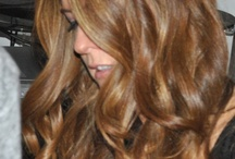 Soft / Loose Waves for Long Hair / Hairstyles with loose waves for casual, undone, beachy hair.