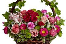cesti con fiori