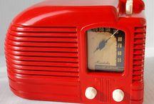 Red Radios Vintage