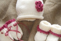 Knitting children hats, gloves and booties / by Liti Diaz