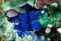 Carbonatecyanotrichite / Carbonate : Cu++4Al2(CO3,SO4)(OH)12•2(H2O)
