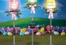Easter Outdoor Decorations / Find fun and clever Easter decorations for you patio or backyard.
