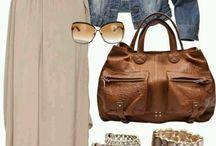 combinaties kleding, tas en sieraden