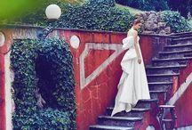 Sublime, elegante, pregiato mikado di seta.... originale abito scultura firmato Giuseppe Papini. Per info e appuntamento 0717220552