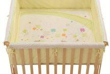 Baby unterwegs! / Babybetten, Laufgitter, Wickelkommoden und vieles mehr für euer Babyzimmer, findet ihr hier.