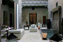 Riad Dar One / Très beau riad rénové avec élégance et originalité et combine harmonieusement design, charme des vieux Riads et confort moderne.