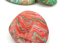Easy Rock Painting Ideas / Easy Rock Painting Ideas and stone painting techniques. Perfect painted rock crafts for beginners and kids