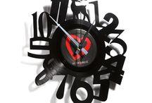 Orologi da parete design moderno / Orologi da parete realizzati su dischi in vinile riportati a nuova vita. Design by Disc 'o' Clock. Made in Italy. Shop online https://comprocomodo.it
